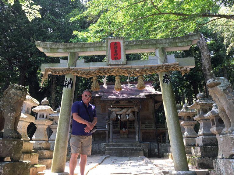 ローリーのコラム 赤猪岩神社2